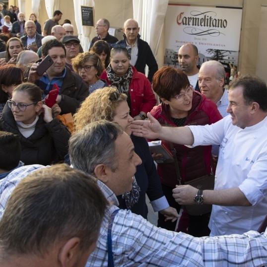 Moliner i Martín Berasategui inauguran una multitudinaria Feria de Turismo Gastronómico