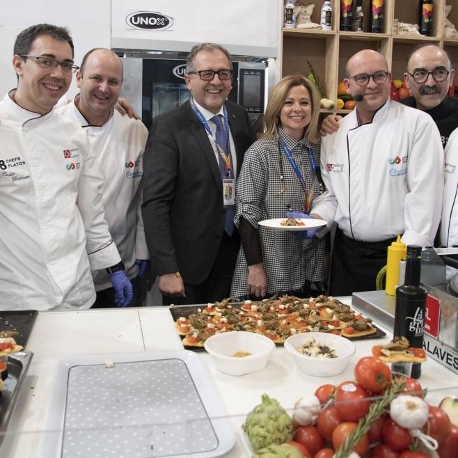 La Diputació promociona la qualitat dels productes de Castelló Ruta del sabor amb un homenatge a la tradicional coca de tomata